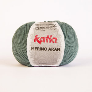 Katia Merino Aran 5 bolleni in de verpakking.